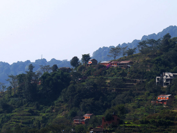 Вид со ступы центра Dhamma Shringa