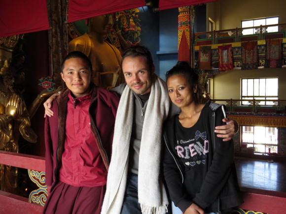 С монахом и Рамитой