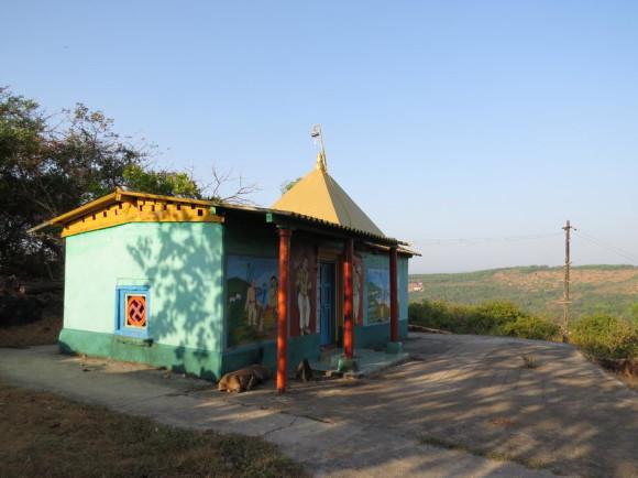 Храм на холме